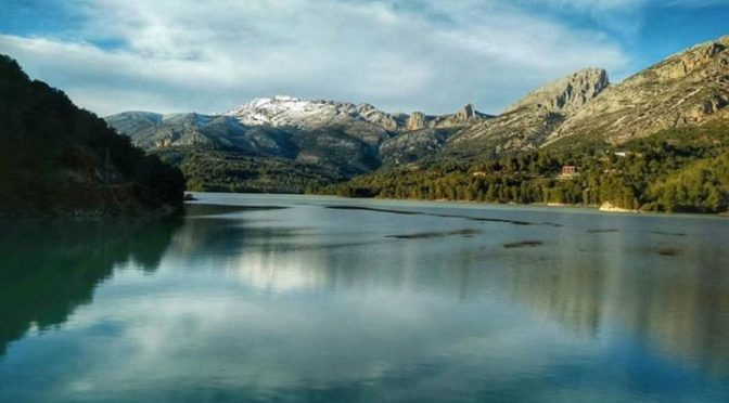 Snow in the Costa Blanca, very rare, but beautiful!¡Preciosa imagen del embalse …