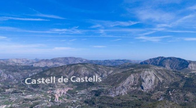 A great view over the Guadalest Valley from a drone – have a look down to the Se…