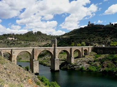 The Natural Park of Cornalvo and Sierra Bermeja is situated close to Mérida, the capital of Extremadura.