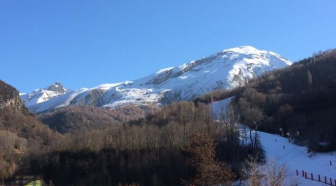 Happy new year from the Pyrenees. Beautiful weather in the Valle de Tena so we'v…