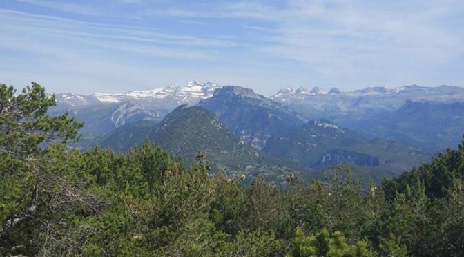 Another fine day in the Spanish Pyrenees today. Once again I (Ken) was over in t…