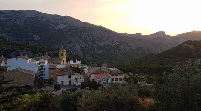 Early trip to Sierra Aitana. Great seeing the Sunrise over Confrides as we made …