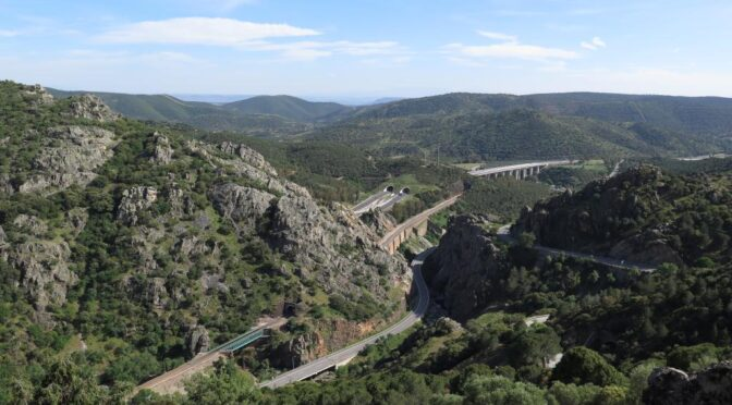is a natural mountain pass connecting Andalucia with Castilla la Mancha through the Sierra Morena.