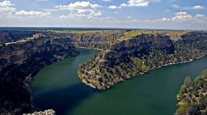 The relatively small Hoces del río Duratón Natural Park is a jewel in the countryside in the province of Segovia.