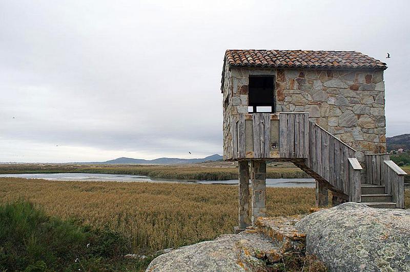 Dunas de Corrubedo y lagunas de Carregal y Vixán Natural Park Birdwatching Hide