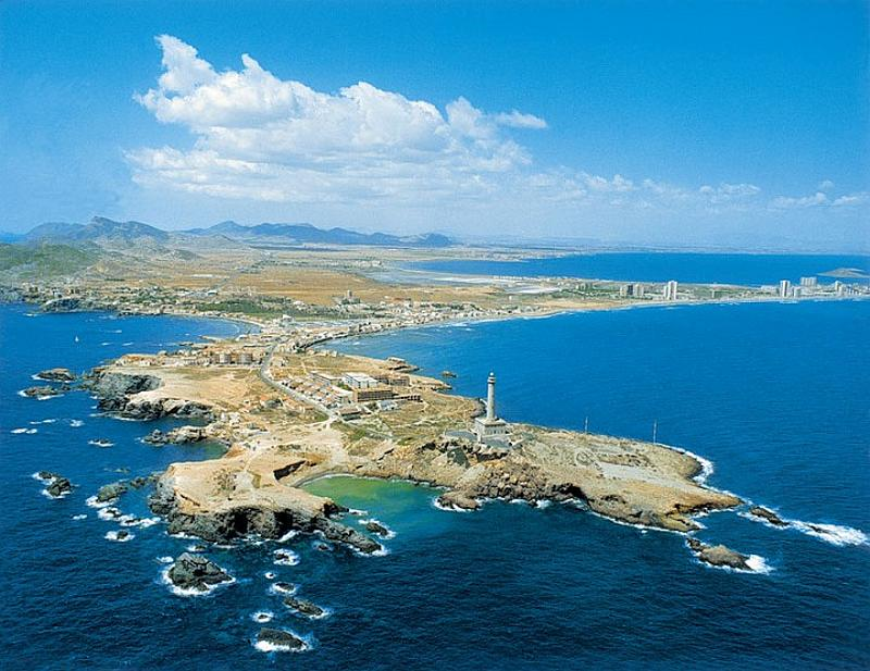 There are two marine reserves in Murcia that are famous worldwide for the quality of the diving available.